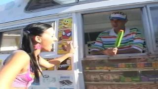 Грейси Глэм потрахалась с мороженщиком