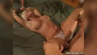 Секс с мужем и его приятелем